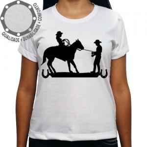 Camiseta Cowgirl Laçando Cowboy