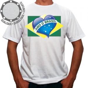 Camiseta Amo o Brasil Coração