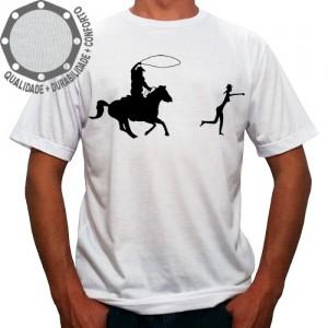 Camiseta Cowboy Laçando Cowgirl