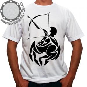 Camiseta Signo Sagitário Tribal Pose